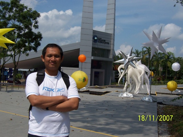 di depan science centre