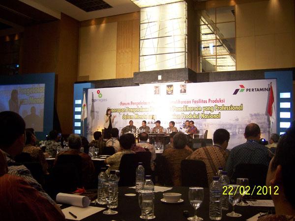 Diskusi Panel yang dipandu oleh Najwa Sihab