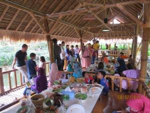 Makan Siang bersama di Mang Engking